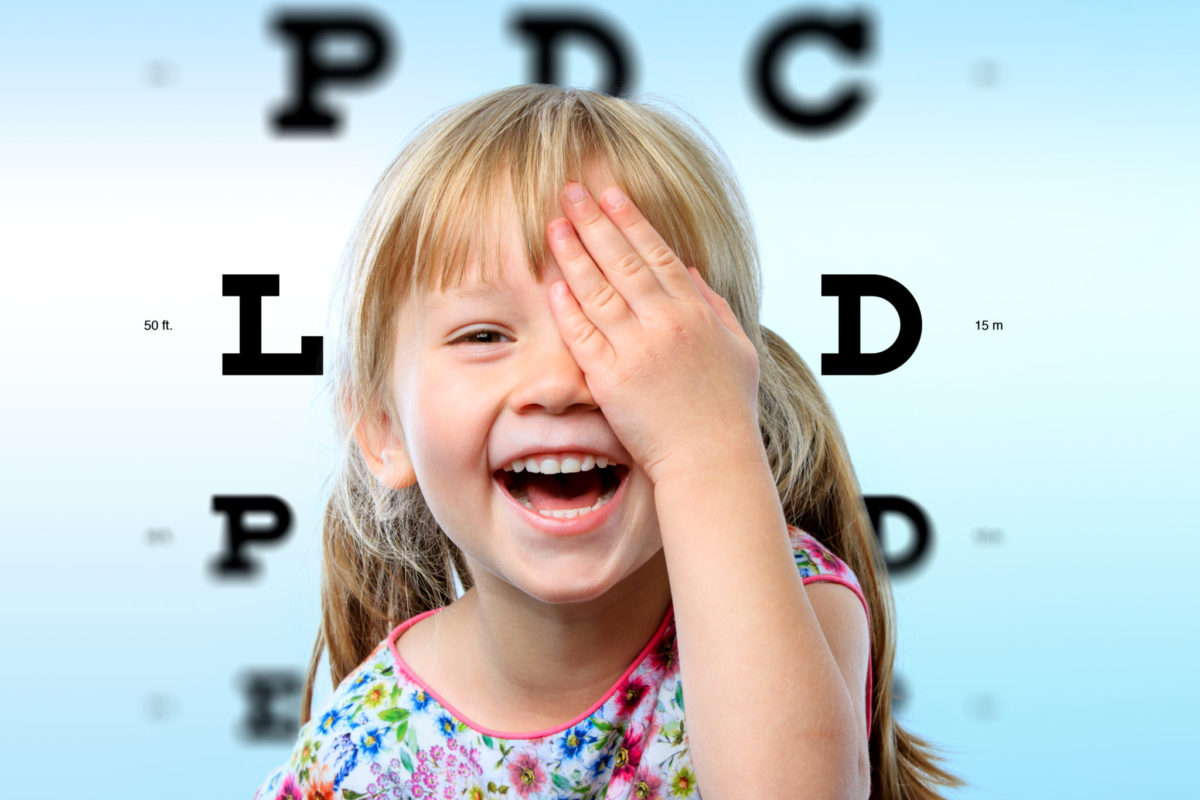 vision test with little girl