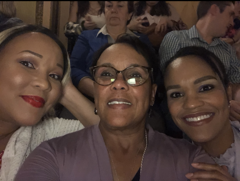 Smith with her daughters Tracey and Dayna